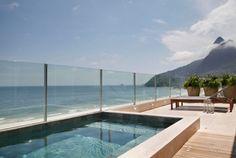 Amazing poolside view. (Cobertura Triplex by Izabela Lessa Arquitetura, Rio de Janeiro, Brazil)