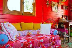 Chambre de gitane sur pinterest chambres chambres boh miennes et d coratio - Deco roulotte gitane ...