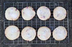 This cherry and almond shortbread recipe makes luxuriously sweet biscuits. Shortbread Recipes, Biscuit Cookies, How Sweet Eats, Creative Food, Cookie Bars, Afternoon Tea, Cravings, Biscuits, Almond