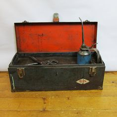 Vintage S-K Toolsl Toolbox Nicely Distressed by leapinglemming