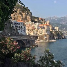 City Aesthetic, Summer Aesthetic, Travel Aesthetic, Nature Aesthetic, Places To Travel, Places To Go, Travel Destinations, Italy Summer, Living In Italy
