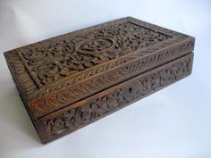 Vintage carved wood compartmented box As Found #10837