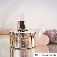 Enriched with Vitamin E this beauty helps to restore vit Instagram And Snapchat, Vitamin E, Restoration, Moisturizer, Perfume Bottles, Celebrities, Restore, Beauty, Moisturiser