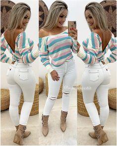 A imagem pode conter: 2 pessoas, sapatos e listras Girl Fashion, Fashion Outfits, Womens Fashion, Cool Outfits, Casual Outfits, Victoria Fashion, Sexy Jeans, Girls Jeans, Spring Outfits