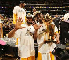 Kobe Bryant & Derek Fisher Winning Their 5th Ring Together!! <3