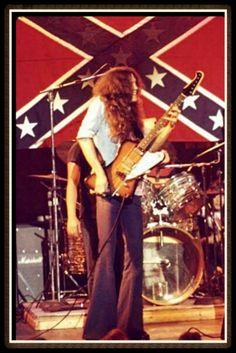 17 Best ideas about Allen Collins Great Bands, Cool Bands, Gary Rossington, Gibson Firebird, Allen Collins, Ronnie Van Zant, Allman Brothers, Heavy Rock, Music Pics