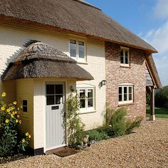 Windows ADAM Architecture - Cottage Refurbishment & Extension in Hampshire Cottage Front Doors, Cottage Windows, Cottage Extension, English House, English Cottages, Thatched House, Small Modern Home, Old Cottage, Cottage Style Homes