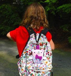 Backpack Bear Free Pattern for the Spoonflower Back to School Blog Hop - whileshenaps.com