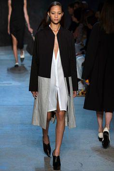 Fotos de Pasarela | Narciso Rodriguez, primavera 2017, Nueva York Primavera Verano 2017 New York Fashion Week | 5 de 34 | Vogue