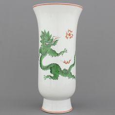 Meissen witte vaas, groene draak