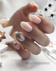 The best new nail polish colors and trends plus gel manicures, ombre nails, and nail art ideas to try. Get tips on how to give yourself a manicure. Minimalist Nails, Latest Nail Designs, Nail Art Designs, Nails Design, Rose Nails, Pink Nails, Matte Nails, Acrylic Nails, Gel Nail Art