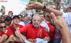 Lidera pesquisa eleitoral: Aliados querem Lula na rua por candidatura