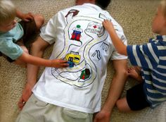 Funny pictures about How to get the kids to give you a back massage. Oh, and cool pics about How to get the kids to give you a back massage. Also, How to get the kids to give you a back massage photos. Homemade Gifts, Diy Gifts, Craft Gifts, Cadeau Parents, Birthday Week, Funny Birthday, Diy Birthday, Birthday Presents, Dad Presents