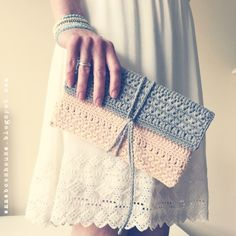 Star-Stitch Clutch: A Crochet clutch purse/ bag PDF Pattern Crochet Round, Love Crochet, Learn To Crochet, Crochet Hooks, Crochet Clutch Bags, Crochet Purses, Clutch Purse, Crochet Bags, Clutch Pattern