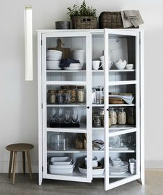 40 Top Inspiring Scandinavian Kitchen Shelves Ideas - Page 24 of 40 Kitchen Display Cabinet, Kitchen Shelves, Glass Shelves, Kitchen Storage, Kitchen Organisation, Kitchen Cabinets, Book Cabinet, Cupboard, White Display Cabinet