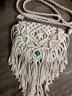 Macrame Purse, Macrame Knots, Micro Macrame, Macrame Jewelry, Bridesmaid Bags, Style Boho, Beginner Crochet Projects, Purse Tutorial, Boho Stil