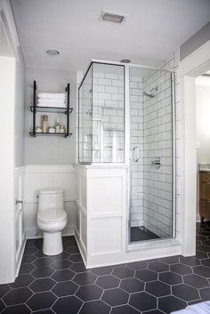 Cozy And Relaxing Farmhouse Bathroom Design Ideas28