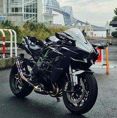 Yamaha Bikes, Kawasaki Motorcycles, Motorbike Girl, Motorcycle Bike, Ninja Bike, Enfield Bike, Custom Sport Bikes, Futuristic Motorcycle, Zx 10r