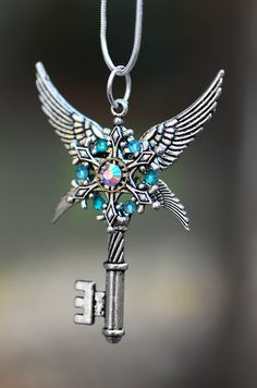 Blade of the Fallen Key Necklace by on DeviantArt Key Jewelry, Cute Jewelry, Jewelry Accessories, Jewelry Making, Magical Jewelry, Keys Art, Vintage Keys, Key To My Heart, Key Necklace