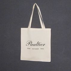 #new #paultier #logobag #peinepattensenparis #forsale !! #only15chf for #thissummersmusthave #instantoutfitupgrade #keypiece ! ( #looksgoodwitheverything ) Archive, Reusable Tote Bags, Pretty, Fashion, Moda, Fashion Styles, Fasion