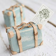 Suitcase place card