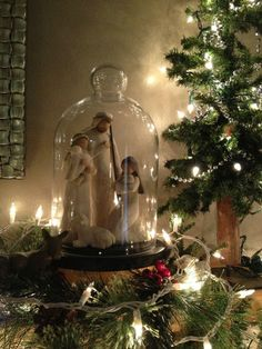 Willow tree nativity scene under a glass cloche ~ Christmas decor Christmas Nativity, Noel Christmas, Green Christmas, Little Christmas, Rustic Christmas, Winter Christmas, Christmas Crafts, Xmas, Christmas Ideas