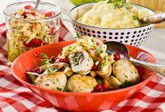 ALLERS.NO:Kyllingkjøttdeig inneholder fra 2 til9,5 prosentfett. Brukden gjerne til kjøttboller, kjøttsaus og lasagne.Nedenfor finnes du oppskriften på saftige kjøttboller av kyllingkjøttdeigmed smakfulle urter og sopp. Håper det smaker!