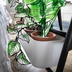 Nieuw: IKEA ANVÄNDBAR Maak je interieur groener en haal de natuur in huis met de nieuwe ANVÄNDBAR collectie. Creëer je eigen urban garden, kook als de romeinen in potten van klei, verbruik minder plastic door over te stappen op katoen en haal het park in