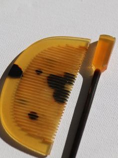 Beautiful Antique Japanese tortoiseshell hair comb and pin