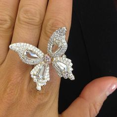 Don't you want to just fly away with this beautiful thing! This gorgeous ring…