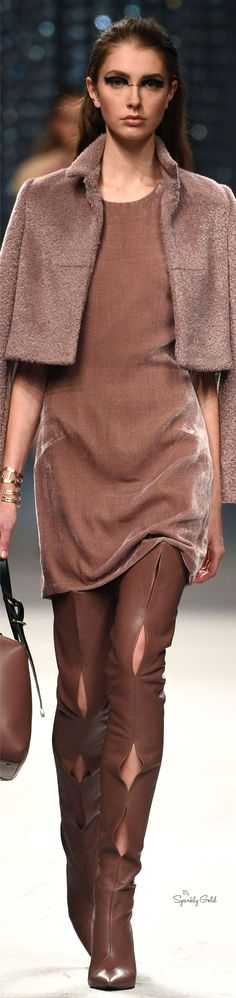 Aigner Fall Oh, my. Vogue Fashion, I Love Fashion, Runway Fashion, High Fashion, Womens Fashion, Fashion Design, Fashion Trends, Classic Fashion, Fashion Week 2016