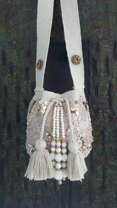 Mochila Crochet, Drawing Bag, Lace Bag, Potli Bags, Ethnic Bag, Tatting Jewelry, Diy Handbag, Denim Bag, Girls Bags