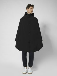 A High-Aesthetic Poncho That'll Make You Wish For Rain - Core77