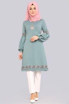Frock Fashion, Abaya Fashion, Fashion Outfits, Hijab Style Dress, Hijab Chic, Simple Gown Design, Dressy Casual Outfits, Mode Abaya, Muslim Women Fashion