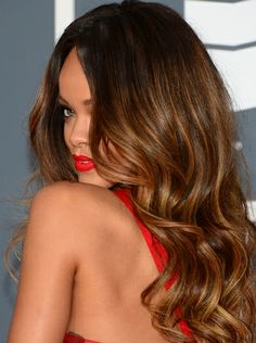 such a pretty hair color, love Rihanna