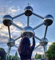 Atomium Bruselas no Instagram • Fotos e vídeos Beautiful Wallpaper Photo, Belgium Germany, Nagoya, Adventure Time, Netherlands, Amsterdam, Travel Photography, Road Trip, Places To Visit