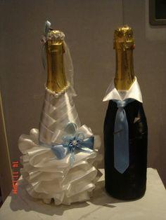 Liquor Bottle Crafts, Liquor Bottles, Bridal Wine Glasses, Diwali Craft, Wedding Hands, Wedding Bottles, Hand Painted Wine Glasses, Card Box Wedding, Wedding Crafts