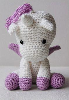 I WANT ONE!!! Amigurumi Unicorn--for aurora for Christmas Katherine.
