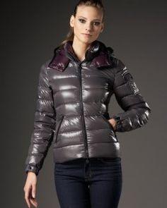 Moncler Bady Feather Down Jassen in dim Grijs. Women fashion designersFashion coatDown ...