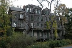 OTIS (Odd Things I've Seen): Stopping by a Haunted House: The Walloomsac Inn