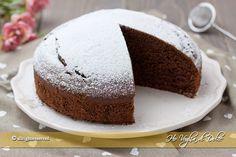 Torta margherita al cacao una torta al cioccolato buonissima, facile e veloce da preparare. Un dolce semplice per la merenda, perfetta da farcire