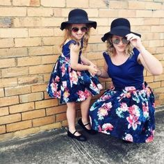 Family Matching Clothes Baby Girls Dresses Summer Matching Mom Daughter Floral Dress Family Look Mom And Daughter Vestido Mother Daughter Matching Outfits, Matching Family Outfits, Mom Daughter, Matching Clothes, Mommy And Me Dresses, Dresses Kids Girl, Mom Dress, Outfits Fiesta, Navy Floral Dress