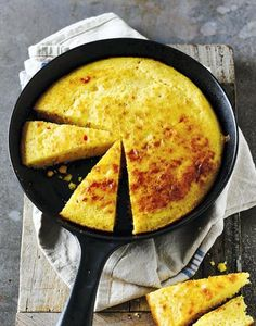 Gluten-free chilli cornbread Golden polenta and frozen sweetcorn make a deliciously different alternative best eaten fresh from the oven Bbc Good Food Recipes, Baking Recipes, Diet Recipes, Delicious Recipes, Recipies, Gluten Free Baking, Gluten Free Recipes, Sin Gluten, Pains Sans Gluten
