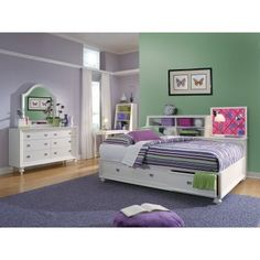 Would love to get this for Abi's room. A full size daybed with storage. but with a trundle Daybed With Storage, Bookcase Storage, Shelves, Storage Drawers, Bookcase Bed, Platform Daybed, Full Size Daybed, Bedroom Furniture, Bedroom Decor