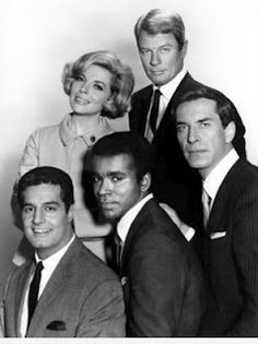 """Peter Graves as Jim Phelps, Barbara Bain as Cinnamon Carter, Martin Landau as Rollin Hand, Greg Morris as Barney Collier, and Peter Lupus as Willy Armitage in the original """"Mission: Impossible"""". Great Tv Shows, Old Tv Shows, Movies And Tv Shows, 1970s Tv Shows, Mission Impossible, Vintage Television, Television Tv, Vintage Tv, My Childhood Memories"""
