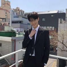 He's mine (cha eunwoo x Yn) Astro Eunwoo, Cha Eunwoo Astro, Cute Asian Guys, Cute Guys, Park Jin Woo, Lee Dong Min, Astro Fandom Name, Sanha, Jiyong