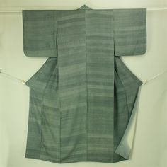 Glay and black komon / 気軽なお洒落着として 黒地 横段江戸小紋柄 小紋 #Kimono #Japan http://global.rakuten.com/en/store/aiyama/
