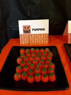 Minecraft Halloween Party ~ Pumpkins using little candy pumpkins  #minecraft #halloween  #minecrafthalloween