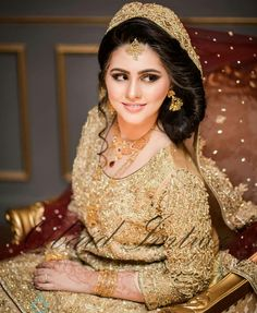 Girl Poses, Bridal Portraits, Sari, Victorian, Photo And Video, Wedding, Brides, Instagram, Dresses