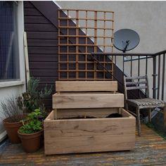 stacked garden boxes... along with a planter garden?  | http://gardeninteriordesign.blogspot.com